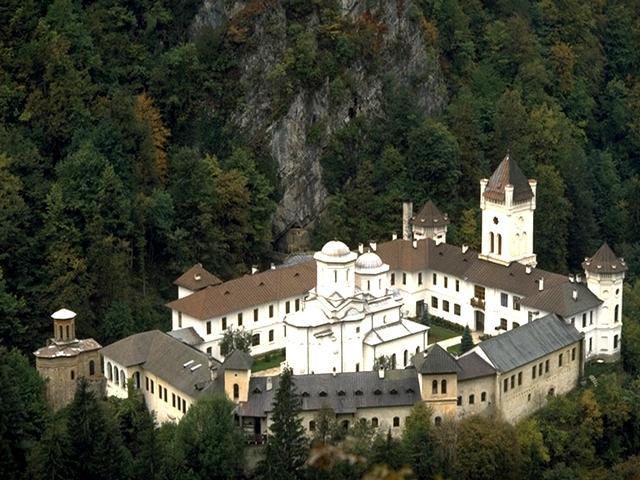 Mănăstirea Tismana, mărețul cuib al Basarabilor