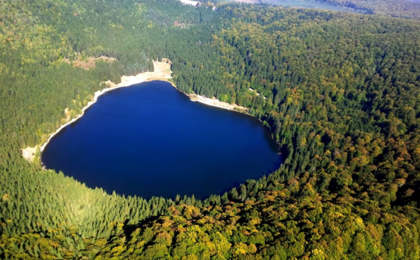 Lacul Sfânta Ana, plodoarie pentru frumusețea naturii